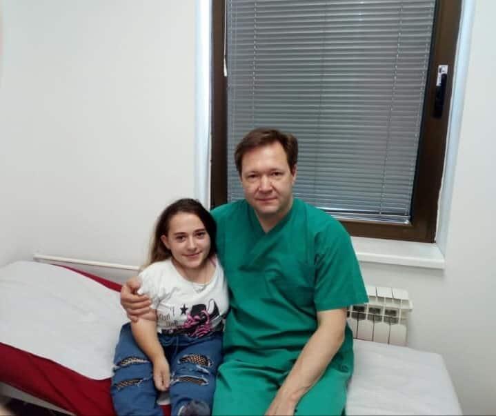 dr Popkov sa pacijentom-Atlas