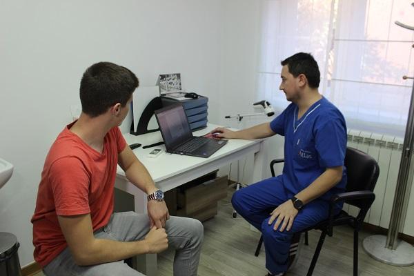 Razgovor kiropraktičara i pacijenta